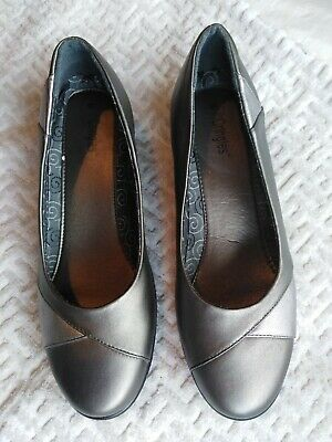 Ladies Pewter And Silver Metallic Finish Slip On Wedge Heel Shoes Size 8 • 3.99£