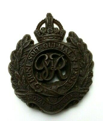 WW2 Royal Engineers Plastic Economy Cap Badge - A Stanley & Sons - Slight Warp • 15£