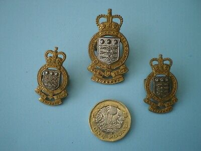 Royal Army Ordnance Corps Officers Cap And Collar Badges Made By Gaunt , London • 26£