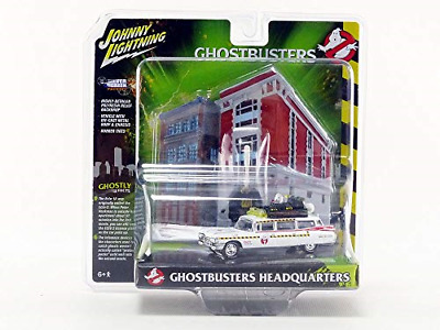 Johnny Lightning JLSP031 1:64 Ghostbusters ECTO-1A With Firehouse Diorama, Multi • 32.52£