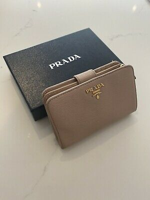 Authentic Prada Nude Saffiano Metal Leather Lampo Wallet 1ML225 • 110£
