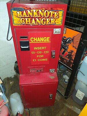 Coin Operated Red Note To £1 Change Arcade Machine • 650£