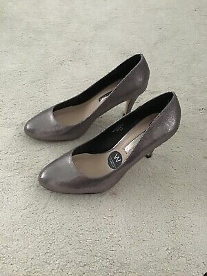 Dorothy Perkins Size 5 Silver Pewter Shoes • 6£