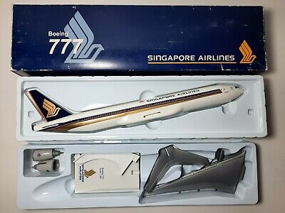 AU100 • Buy 1:200 Risesoon B777-200 Singapore Airlines