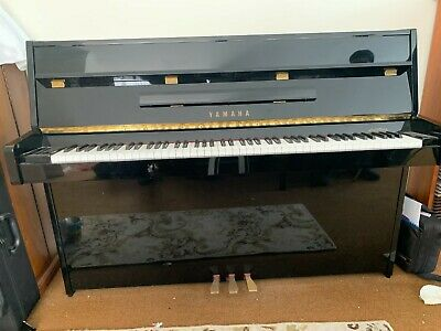 AU3300 • Buy Yamaha C108 Upright Piano Black Gloss In Excellent Condition