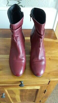 Ladies Wine Leather Boots Size 5 (Pavers) • 4.99£