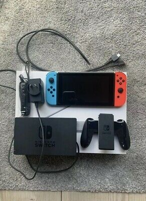 AU455 • Buy Nintendo Switch 32GB Neon Blue/ Neon Red Console Hardly Used