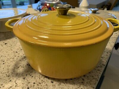 Le Creuset Casserole 26cm, Dijon ? Yellow. Used. Chrome Knob • 34.33£