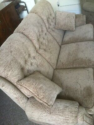 3 Piece Suite With Reclining Chair • 250£