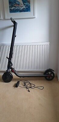 Ninebot Segway ES1 Electric Scooter Black • 195£