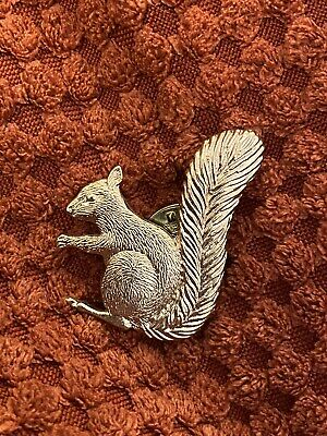 SQUIRREL Pin Badge Gold Tone Wild Forest Animal Lapel Tie Pin • 4.50£