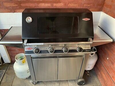 AU800 • Buy BeefEater Signature 3000E 4 Burner BBQ Barbeque Hardly Used 2yrs Old RRP $2,099