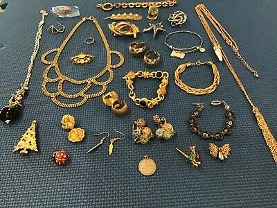$ CDN6.68 • Buy VINTAGE NOW JEWELRY LOT Some Are Signed Please Look At All Pictures