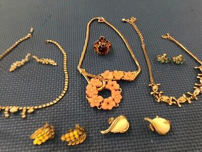 $ CDN6.68 • Buy VINTAGE JEWELRY LOT SIGNED CORO TRIFARY Please Look At Pictures For Better Detai