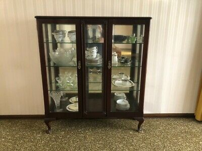 AU6.50 • Buy Antique  Queen Anne Crystal / Display Cabinet W 3 Glass Shelves!