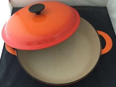 Le Creuset 26cm Shallow Cast Iron Casserole Dish With Lid In Volcanic Orange • 99.95£