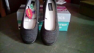 Sketchers Grey Low Shoes Size 4.5. Excellent Condition. Never Worn New In Box • 25£