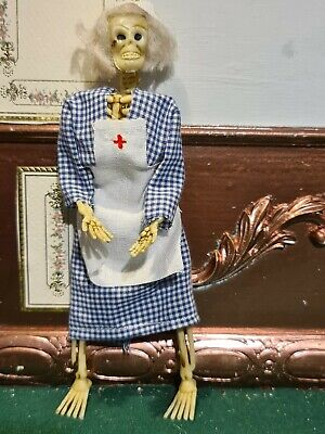 Dolls House Accessories Skeleton Nurse 1.12th A • 8£