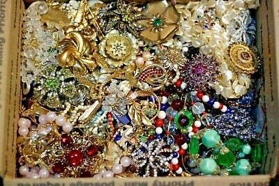 $ CDN35.33 • Buy Jewelry Vintage Modern Huge Lot ALL GOOD Wearable RESELL Over One Full Pound Mix