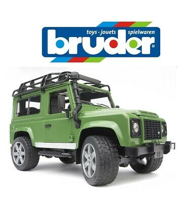 BRUDER LAND ROVER DEFENDER Green Off Road Jeep Kids Childrens Toy Model 1:16 • 29.90£