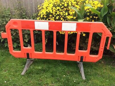 10x ROAD WORKS BARRIERS • 120£