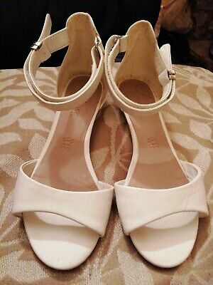 M&S Size 4 White Leather Sandals Footglove Ankle Strap Velcr0 Fastening WideFit  • 6.75£
