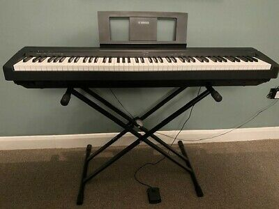 Yamaha Digital Piano P45 Black With Stand • 200£