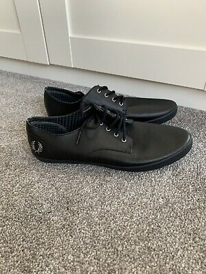 Fred Perry Shoes Size 8 • 2.40£
