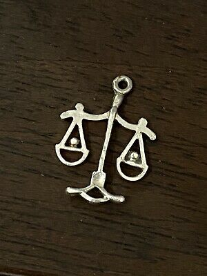 Vintage .925 Silver Charm Pendant. Libra Star Sign. • 4.99£