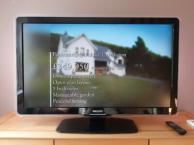Philips 42PFL7603D 42  1080p HD LCD Ambilight TV, Including Stand And Remote • 23£