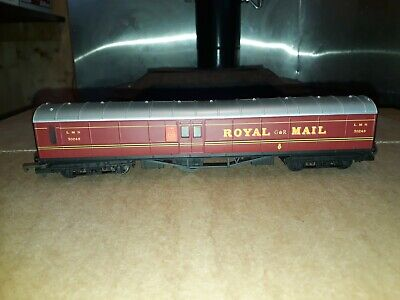 Hornby OO Gauge R164 LMS Royal Mail Coach VGC • 7.50£