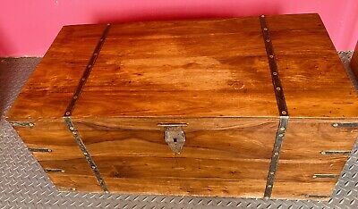 Large Wooden Chest Trunk / Toy Box / Storage/ Vintage • 50£