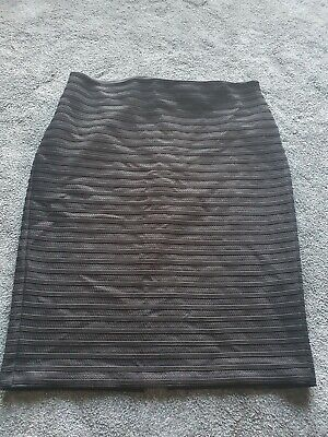 Pencil Skirt Size 20 With Net Effect • 7£