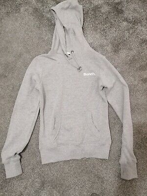 Bench Hoodie • 9£
