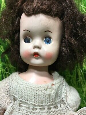 "Vintage 13"" Walker Roddy Doll, Made In England. Head Turns As Her Legs Move.  • 20£"