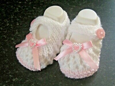 CUTE PAIR HAND KNITTED BABY SHOES In PINK/WHITE WITH PINK BOW Size 0-3 MONTH(4) • 3£