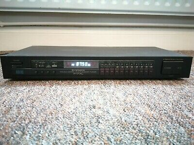 Pioneer F-77L FM/AM Digital Synthesizer Tuner • 18£