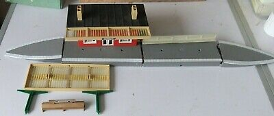 Tri-ang/Hornby R.2 Village Station, Boxed • 25£