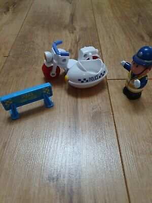 Happyland Police Man With Bike • 2.70£