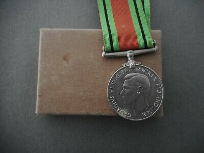 Original British WW2 Defence Medal In Box Has Name Engraved On Edge  • 20£
