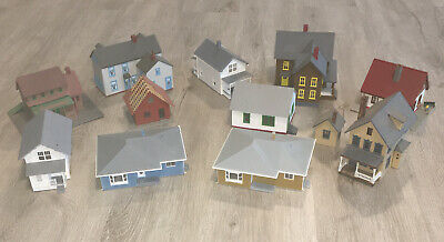 $ CDN99.77 • Buy HO Scale House Lot Of 11 Town City Building Model Train Built Up
