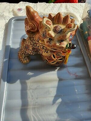 Single Antique Chinese Foo Dogs • 20£