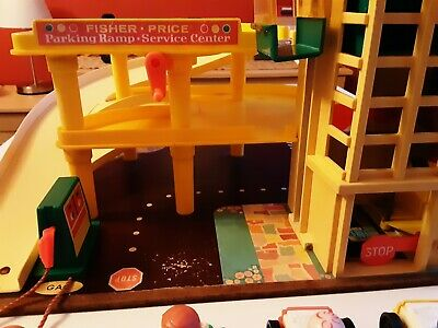Vintage Fisher Price Toy Garage Car Park  • 14.99£