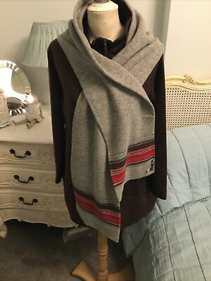 Gap Lambwool Scarf.Colour Grey. • 3.50£