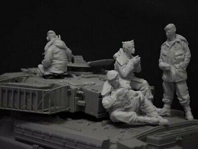 1:35 Scale Unpainted Resin Figure British Challenger/Chieftain Crew Unassembled • 19.95£