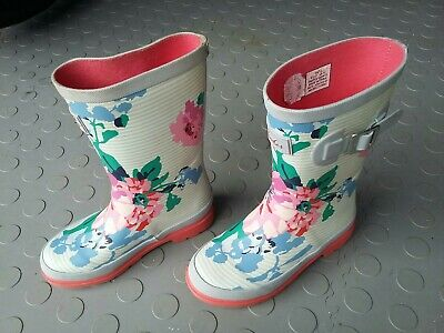 Girls Joules Wellies With Flower Print • 2.30£