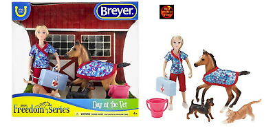 £29.99 • Buy Breyer Horse Toy Playset 62028 Day At The Vet Foal, Cat, Dog + Accessories NEW