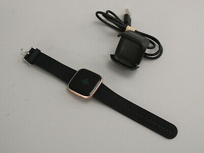$ CDN101.48 • Buy Fitbit Versa 2 Health & Fitness Smartwatch Rose Gold Aluminum F8507 Black Band