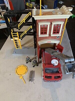 Fisher Price Imaginext Rescue Heroes Firehouse Fire Station Firetruck & Figures • 33.28£