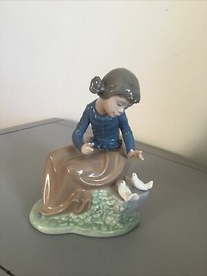 NAO Lladro Girl And Doves -  Figurine Of A Girl Sitting On A Bench With 2 Doves • 12.51£